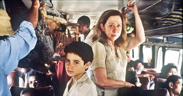 20fev2013---vinicius-de-oliveira-e-fernanda-montenegro-em-cena-do-filme-central-do-brasil-1998-1361467730288_956x500