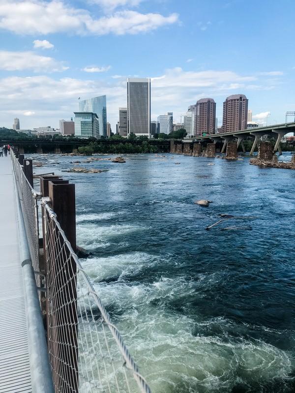 O que fazer em Richmond - foto do horizonte da ponte
