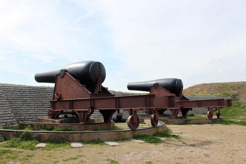 Atividades em Charleston, SC - Canhões em Fort Sumter