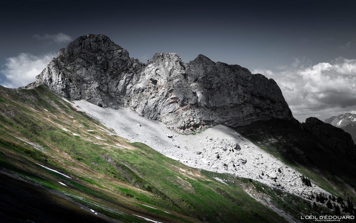 A ponta de Sambuy do Col du Drison - Maciço des Bauges atravessa os Alpes Savoy França Montanhas Paysage - Paisagem montanhosa Alpes franceses Caminhadas ao ar livre Caminhadas