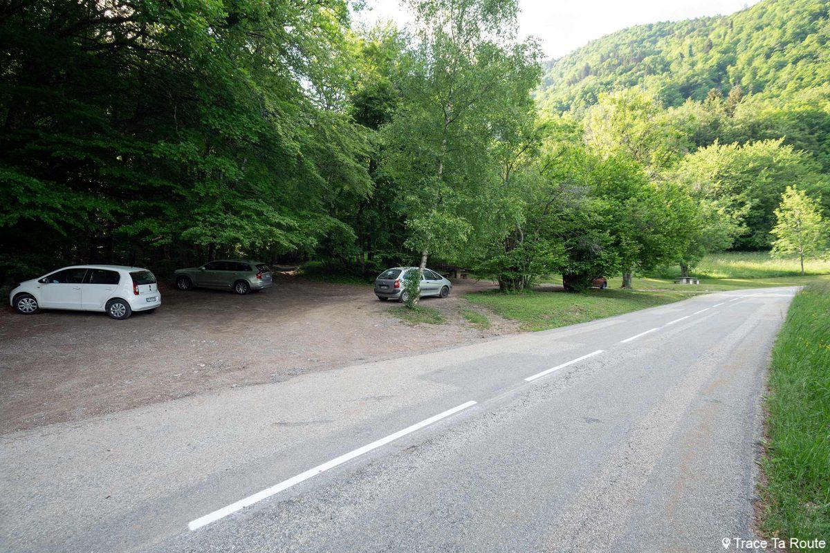 Estacionamento sob o Col de Tamié - Massif des Bauges Savoie Alps França
