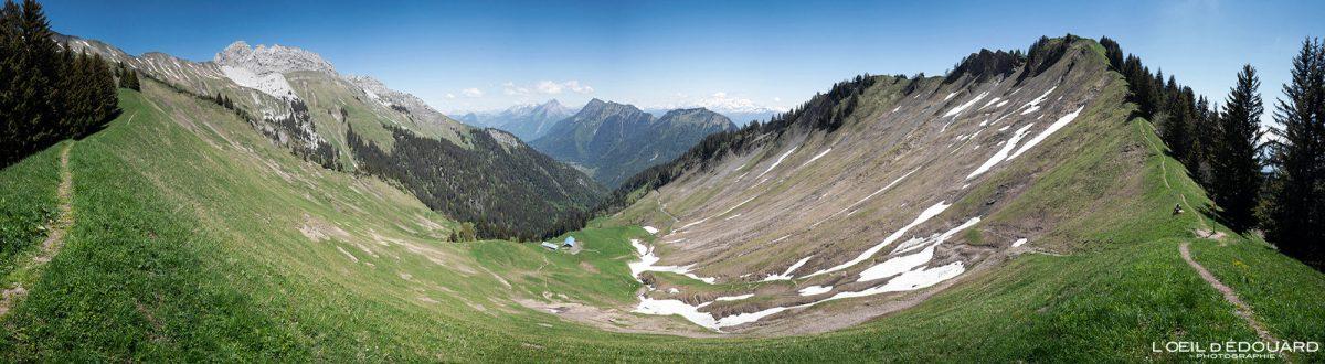 Col du Drison e Parc du Mouton - caminhada no maciço de Bauges nos Alpes Savoy França Paisagem montanhosa - paisagem montanhosa nos Alpes franceses caminhada ao ar livre