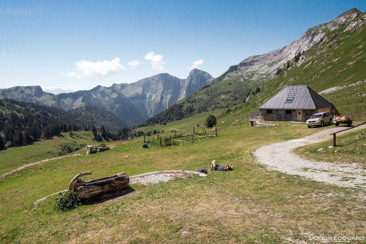 Les Chalets d'Orgeval Maciço des Bauges Savoie Alpes França Paisagem Montanha Pécloz - Casa Paisagem de montanha Alpes franceses Caminhadas ao ar livre Caminhada