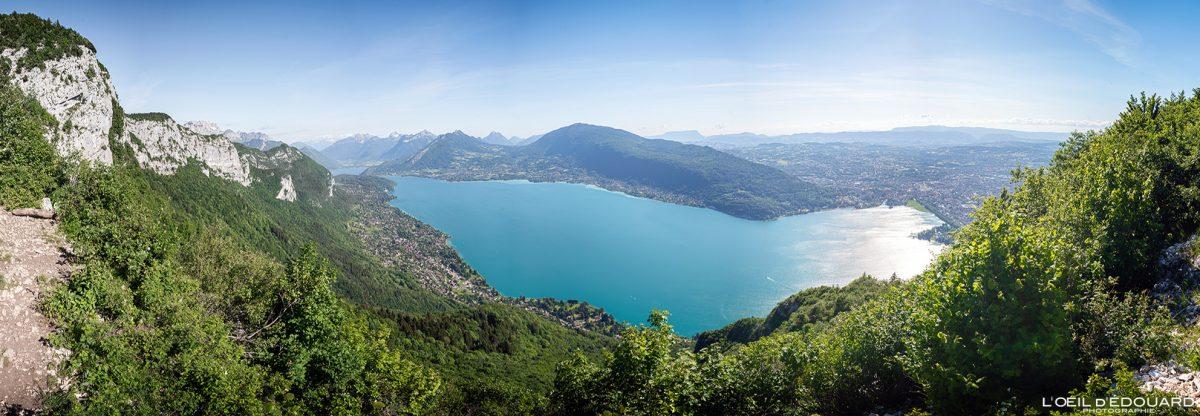 Vista panorâmica do Lago Annecy - caminhada no Mont Veyrier - Alpes de Annecy de Haute-Savoie França Paisagem montanhosa - paisagem montanhosa Caminhada alpina ao ar livre Caminhada vista panorâmica do lago