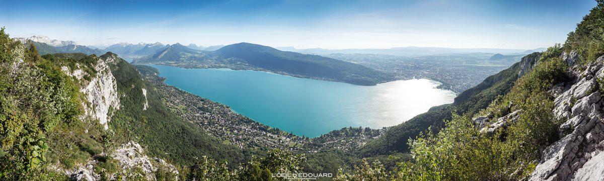 Mont Baron Vista panorâmica do Lago Annecy - Caminhada Mont Veyrier - Annecy Alpes de Haute-Savoie França Paisagem Montanha - Paisagem montanhosa Alpes franceses Caminhadas ao ar livre Caminhada Vista panorâmica do lago