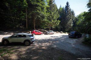 Parque de estacionamento Pré Vernet - Caminhada no Monte Veyrier - Annecy Alpes de Haute Savoie França Floresta Montanha - floresta de montanha Alpes franceses Caminhada ao ar livre Caminhada