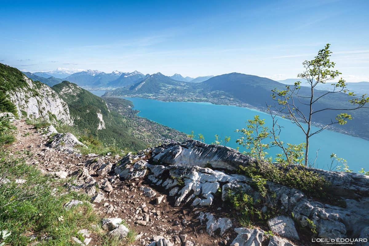 Caminhada Sentier des Crêtes du Mont Veyrier - vista do lago Annecy Alpes de Haute-Savoie França Paisagem montanhosa - paisagem montanhosa Alpes franceses caminhada ao ar livre caminhada lago