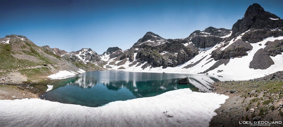 Caminhadas Lago Grand Domènon Belledonne Isère Alpes França Paisagem montanhosa Caminhadas ao ar livre Caminhada Alpes franceses Lago Paisagem montanhosa