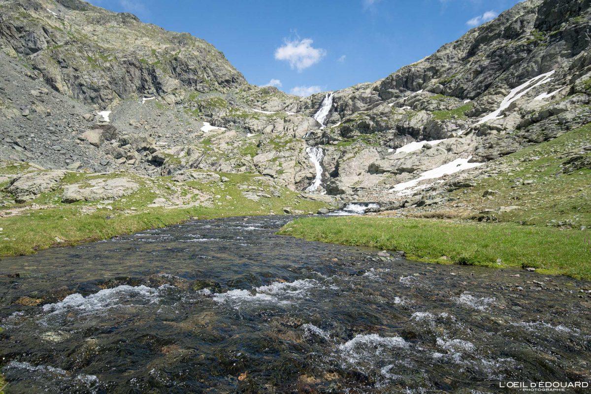 Caminhada Ruisseau du Domènon Belledonne Isère Alpes França Paisagem montanhosa Caminhada Caminhada ao ar livre Alpes franceses Rio Paisagem montanhosa