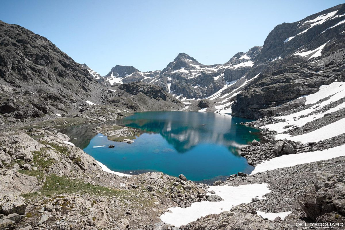 Caminhadas Lac du Petit Domènon Belledonne Isère Alpes França Paisagem montanhosa Caminhadas ao ar livre Caminhadas Alpes franceses Lago Paisagem montanhosa