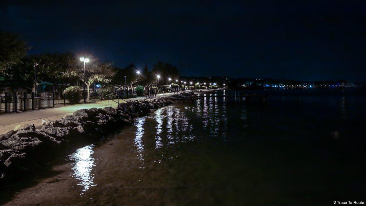 Lago Garda Norte da Itália Itália Grandes Lagos - Bardolino Lago Garda Itália Norte da Itália Lago italiano Fotografia noturna