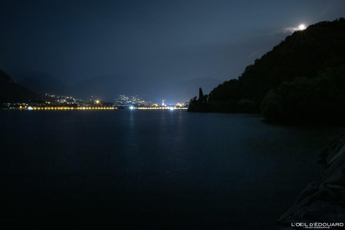 Lecco e Lago de Como Norte da Itália - Lago de Como Itália Norte da Itália Luzes noturnas do lago