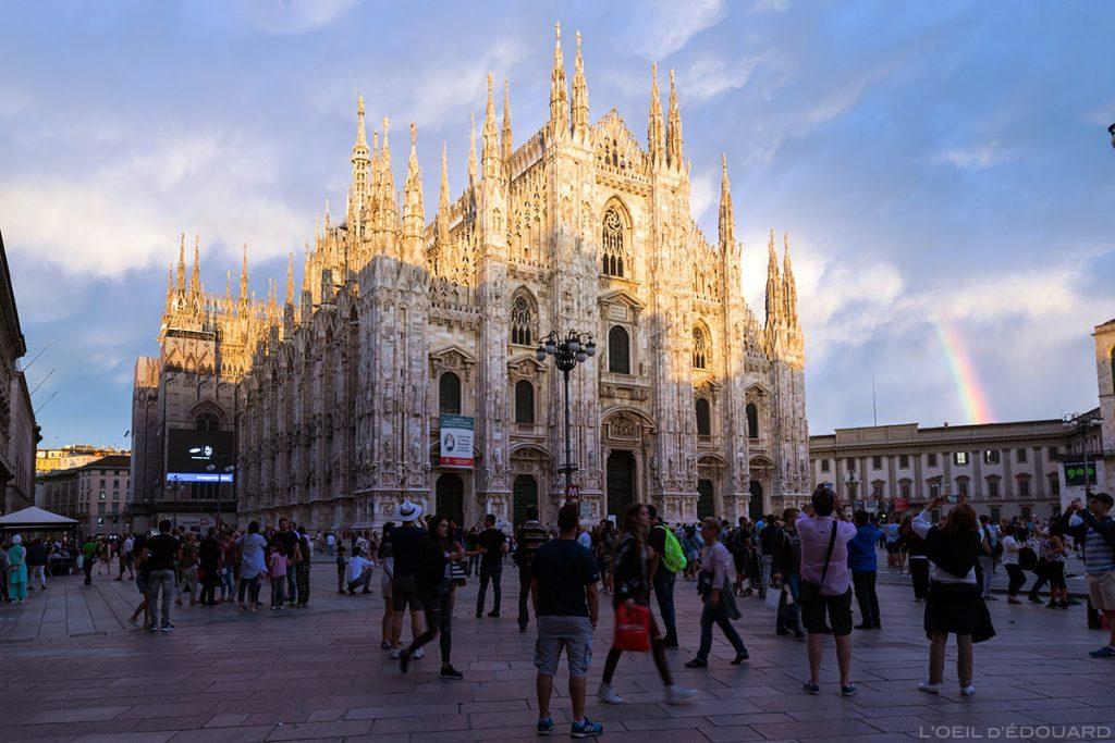A fachada da Catedral de Milão, iluminada por uma clareira com um arco-íris - Duomo Milan © L'Oeil d'Édouard