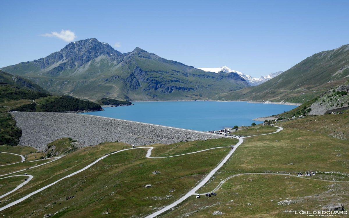 Borda do lago Mont-Cenis França Norte da Itália paisagem de viagem rodoviária Mountain Alps - Piemonte Itália França Norte da Itália Alpes paisagem de montanha