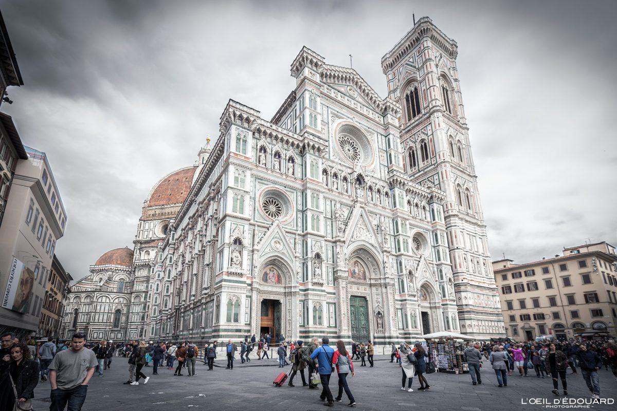 Fachada Duomo de Florença Toscana Itália - Catedral Santa Maria del Fiore Duomo Florença Toscana Itália Toscana Itália Arquitetura renascentista de igreja