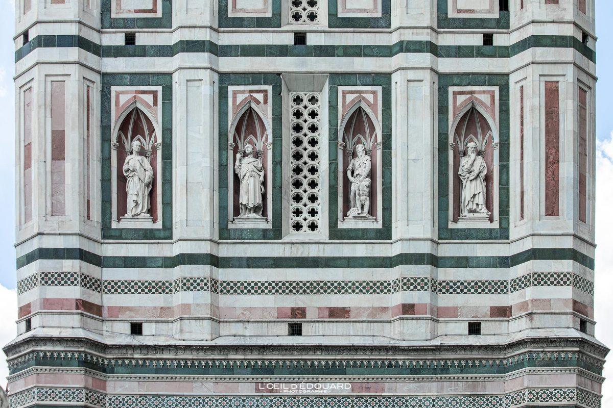 O Campanile de Giotto esculturas o Duomo de Florença Toscana Itália - Torre Duomo Florença Toscana Itália Toscana Itália Torre Arquitetura renascentista
