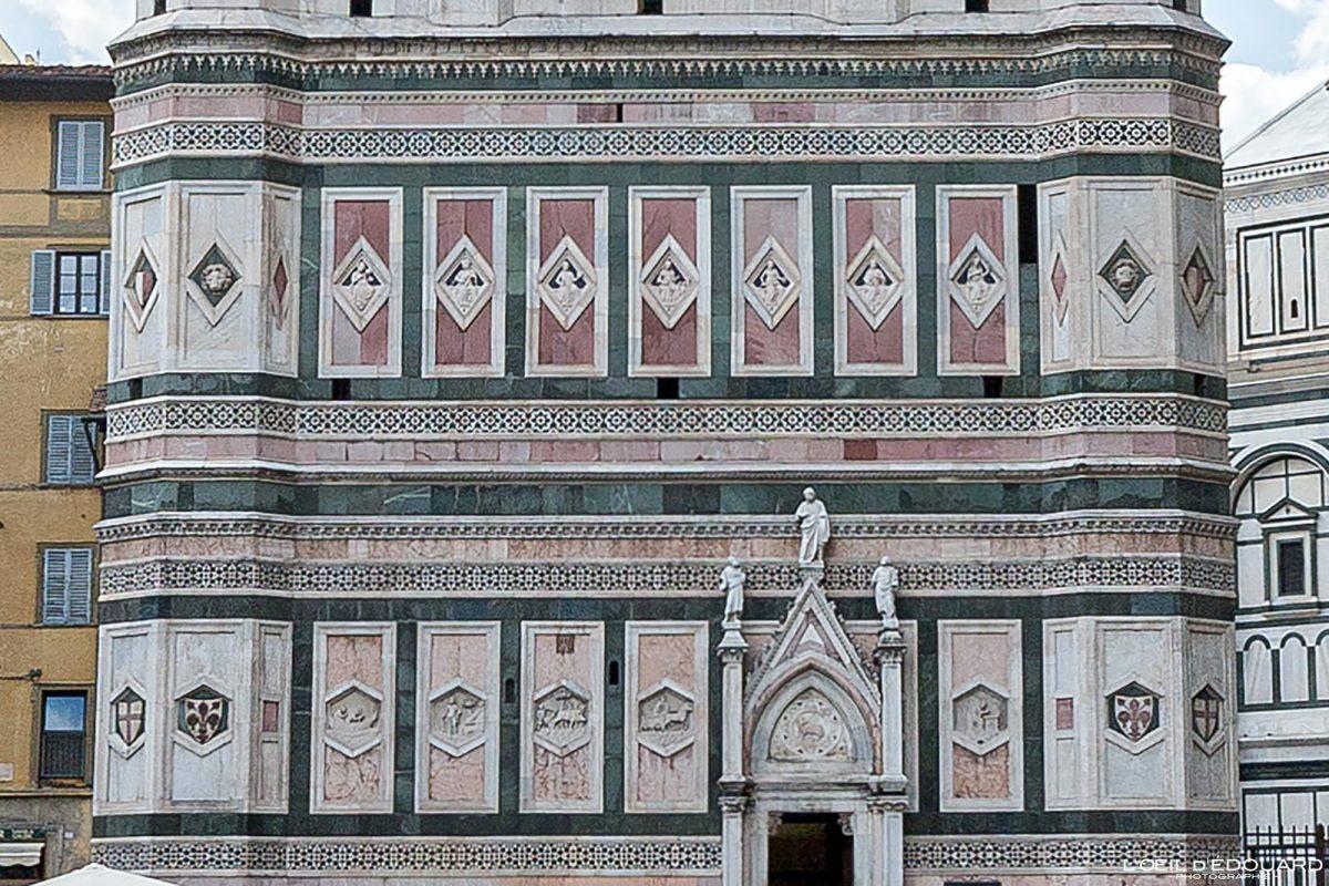 Baixo-relevo Campanário de Giotto Catedral de Florença Toscana Itália - Torre Duomo Florença Toscana Itália Toscana Itália Torre Arquitetura renascentista