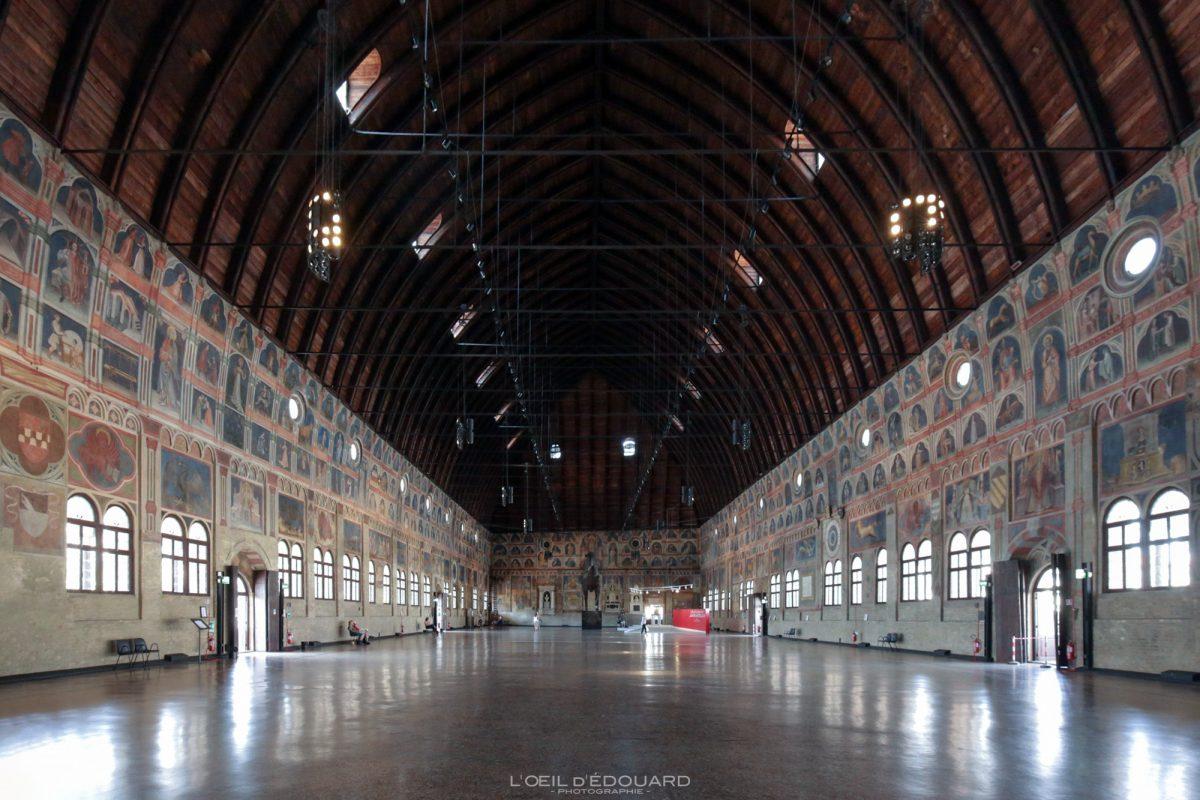 Interior do salão Palazzo della Ragione, Padua Italy - Padua Italy Itália Arquitetura do palácio italiano