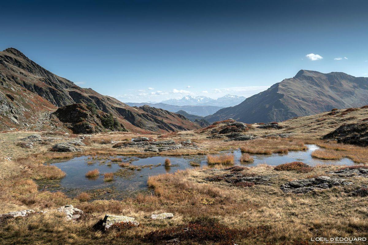 Caminhadas Lago Le Grand Arc Savoie Alpes França Paisagem de montanha Outono ao ar livre Alpes franceses Paisagem de outono Lago de montanha Caminhada