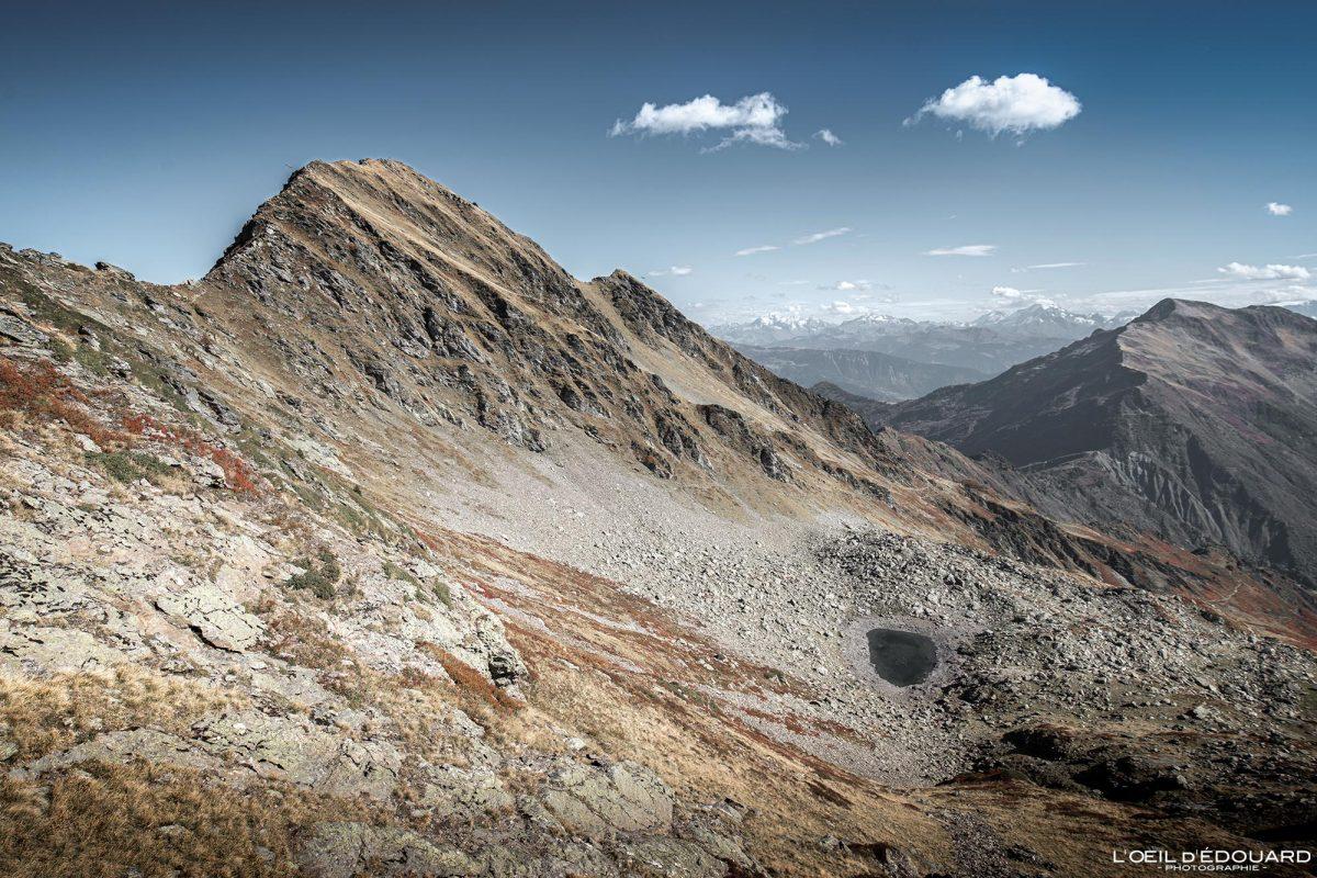 Lago Piéru Caminhada Cume Le Grand Arc Savoie Alpes França Paisagem montanhosa Outono ao ar livre Alpes franceses Paisagem de outono Pico da montanha Caminhada