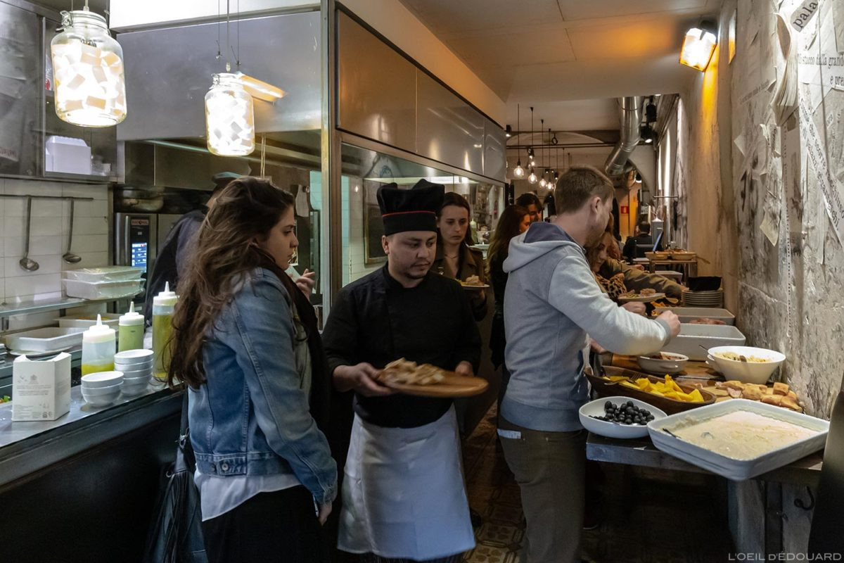Pasta bar Aperitivo Tamero em Florença, Itália / Restaurante Florença, cozinha italiana