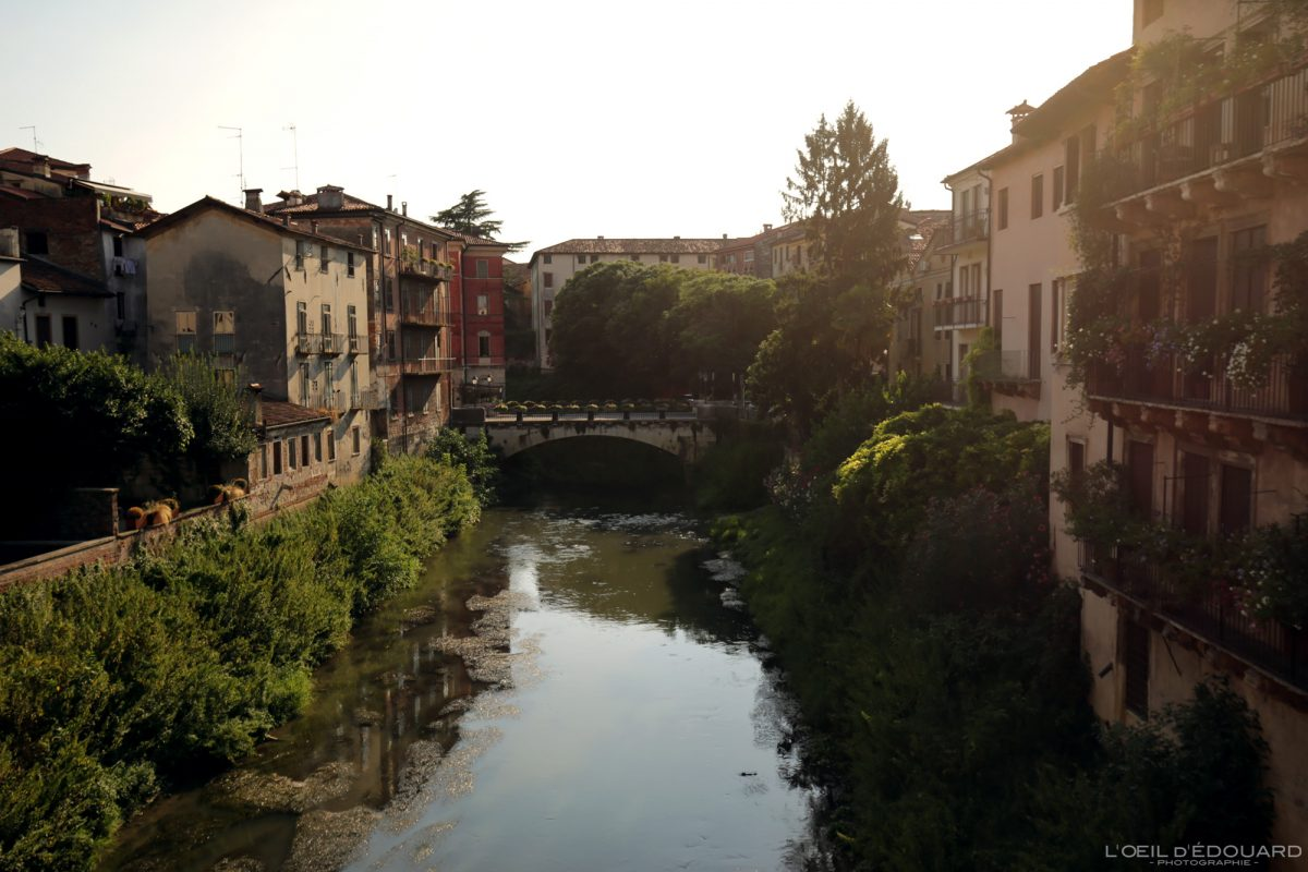 Retrone River Vicenza Itália Vêneto Itália pôr do sol luz paisagem urbana rio - Rio Vicenza Itlaia Vêneto