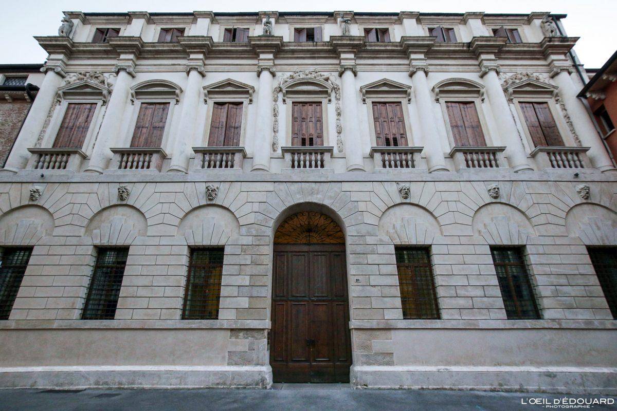 Palazzo Palazzo Vicenza Itália Vêneto - Iseppo Palace from Porto Vicenza Itália Vêneto Itália Arquitetura do edifício Andrea Palladio