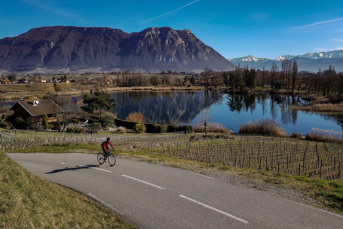 Ciclismo - Lac Saint-André Les Marches Savoie Paysag paisagem montanhosa ao ar livre MTB