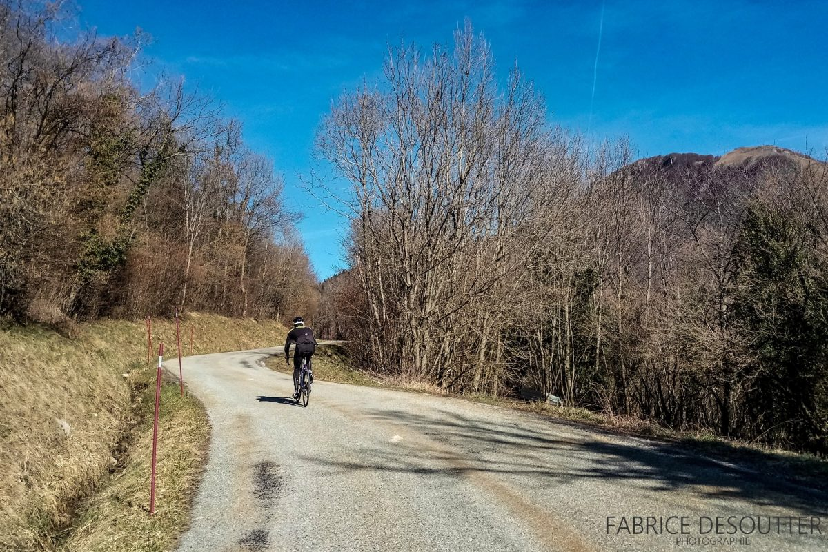 Ciclismo - Col de Marocaz Massif des Bauges Bicicleta de corrida ao ar livre