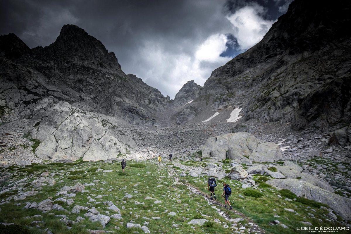 Caminhada Pas du Mont Colomb - Maciço du Mercantour Alpes-Maritimes Provença-Alpes-Côte d'Azur / Paisagem Caminhada Montanha Paisagem ao ar livre Caminhada Montanha Caminhada Trekking