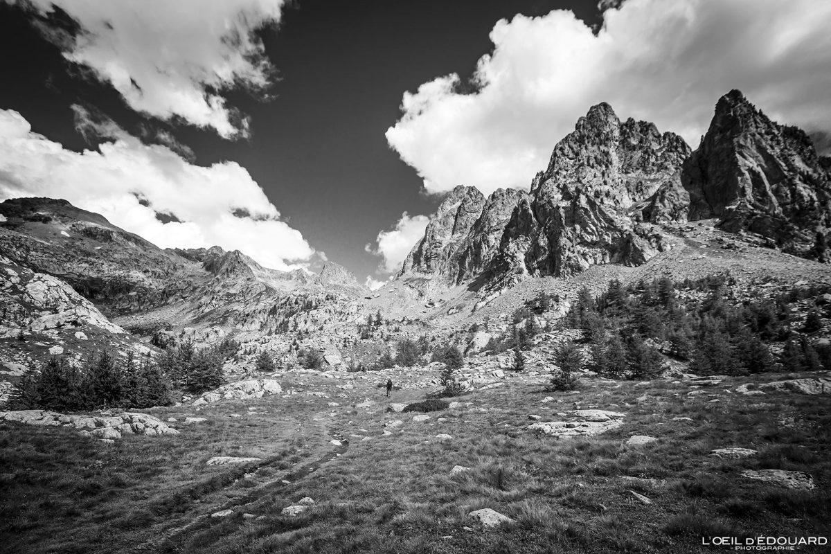 Trilha de caminhada Maciço de Mercantour Alpes-Maritimes Provence-Alpes-Côte d'Azur / Paisagem Caminhada na montanha Paisagem ao ar livre Caminhada na montanha Caminhada Trekking