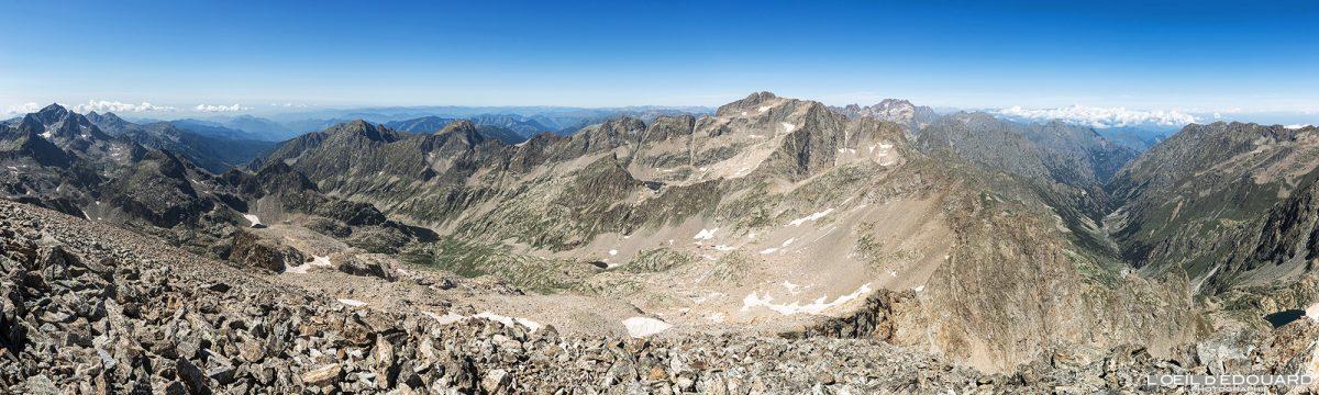 Vista panorâmica do topo do Mont Clapier - Maciço du Mercantour Alpes-Maritimes Provença-Alpes-Côte d'Azur / Caminhada panorâmica na montanha Vista externa Caminhada na montanha Excursão de trekking