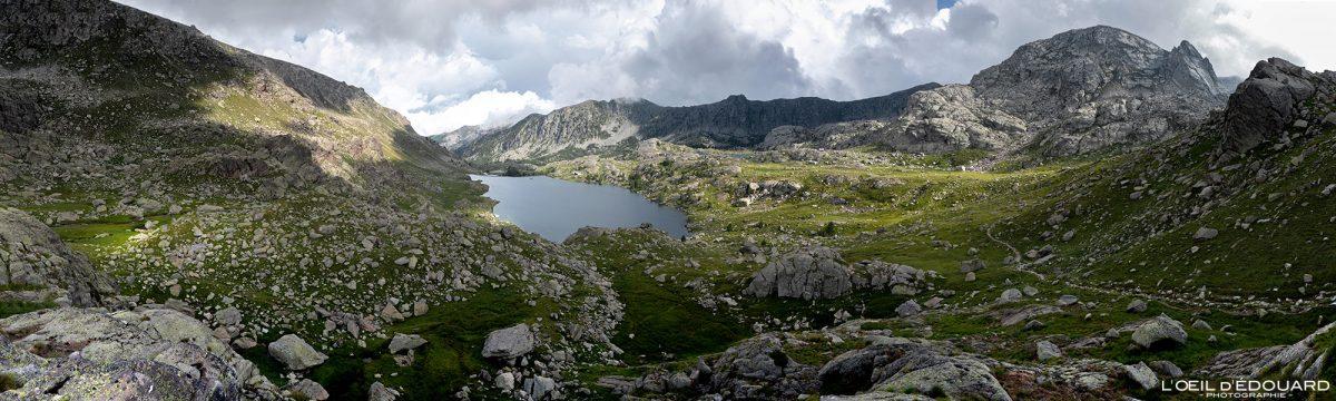 Lac Long Supérieur Vallée des Merveilles - Maciço du Mercantour Alpes-Maritimes Provença-Alpes-Côte d'Azur / Paisagem Caminhada na montanha Paisagem ao ar livre Lago de montanha Caminhada Caminhada Caminhada Trekking