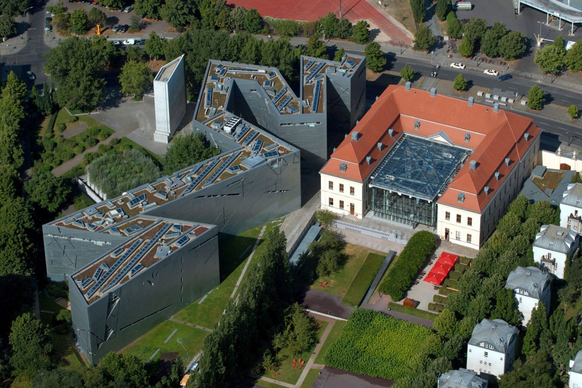 Vista aérea do Museu Judaico de Berlim Alemanha - Vista aérea do Museu Judaico Alemanha Alemanha Museu Judaico Arquitetura Daniel Libeskind © Günther Schneider