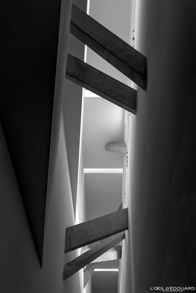 Viga da escada Eixo de continuidade Museu Judaico de Berlim Berlim - Eixo de continuidade Museu Judaico Alemanha Alemanha Eixo de continuidade Museu Judaico Arquitetura Daniel Libeskind