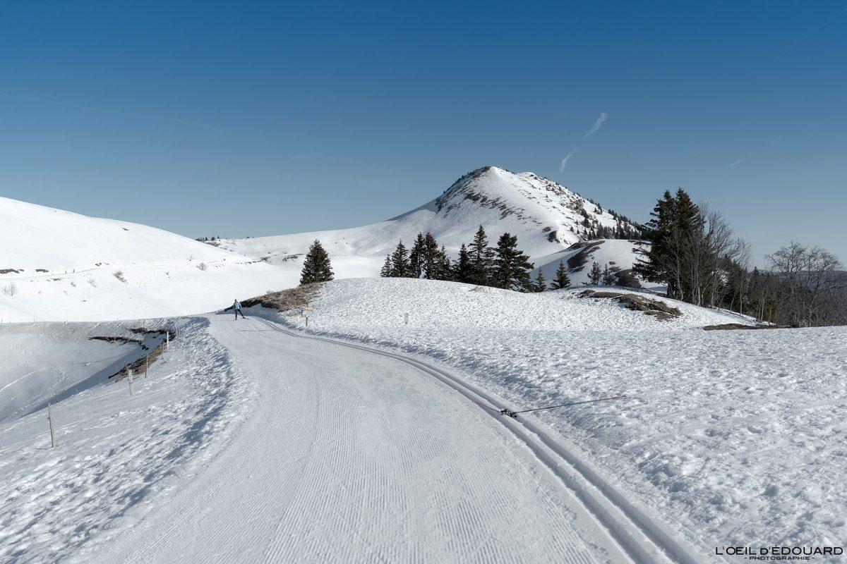 Le Charmant Som no inverno Pista de esqui nórdico Col de Porte Maciço de la Chartreuse Isère Alpes Montanha Neve França Alpes franceses Paisagem montanhosa Inverno Neve