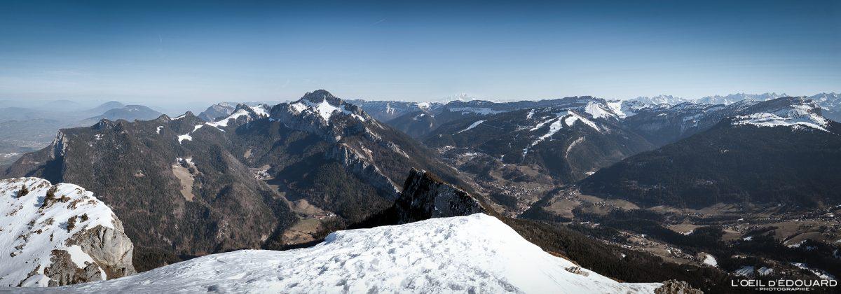 Maciço Chartreuse dos fascinantes Alpes Som Isere Paisagem de inverno Montanha de neve França Alpes franceses Paisagem de montanha Inverno Neve Esqui Esqui