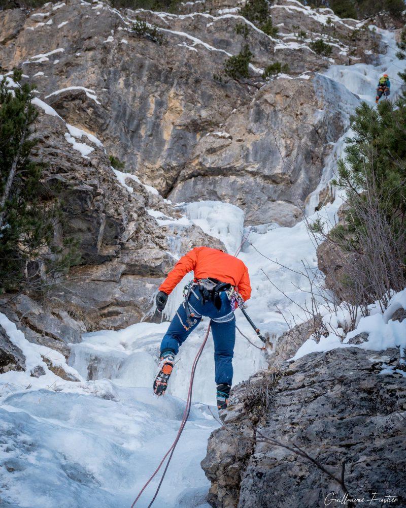 Alpes franceses Montanhismo Kaskade de Glace Nadia Les Orres Ubaye Altos Alpes França Inverno Montanha Montanhismo Alpinismo Inverno