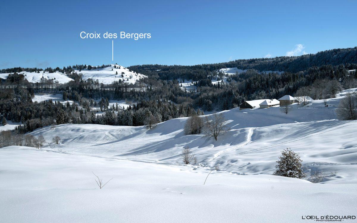 Alpes franceses Caminhada Sapatos de neve Croix des Bergers Le Revard Maciço de Bauges Montanha Neve Paisagem de montanha Savoie Alpes França Neve de inverno
