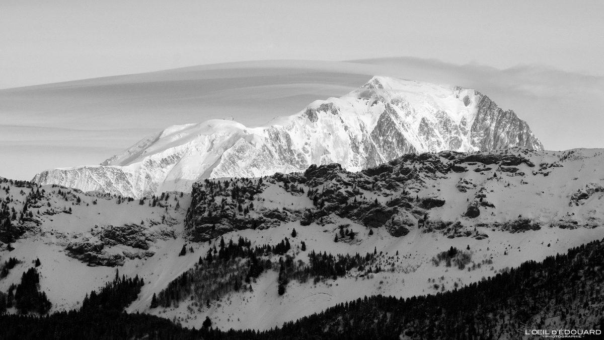 Mont Blanc no inverno da Croix des Bergers Snowshoeing Le Revard Massif des Bauges Alpes Savoie Paisagem Montanha Neve França Neve ao ar livre Inverno Alpes franceses Paisagem montanhosa