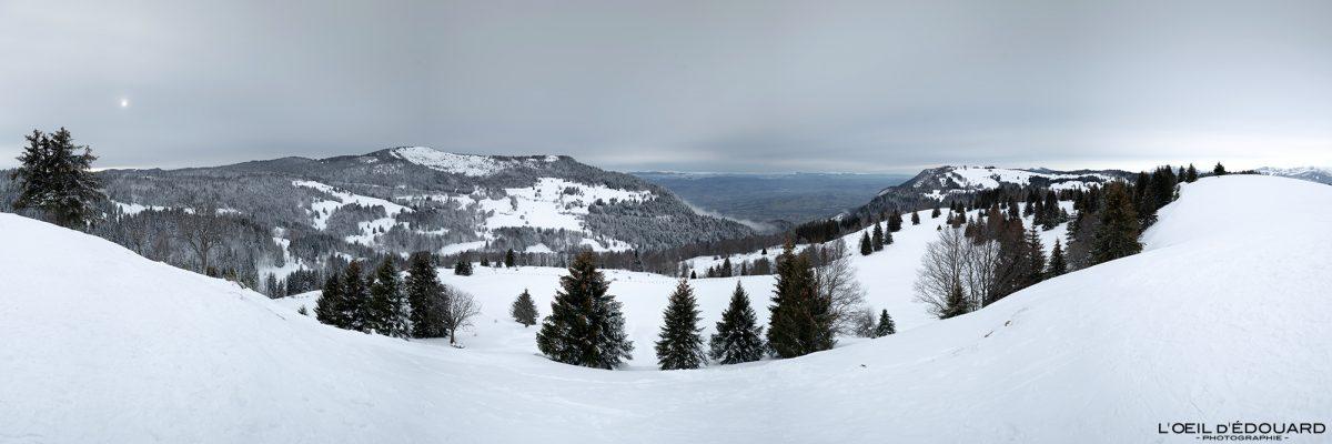 Croix des Bergers Caminhada Sapatos de neve Le Revard Massif des Bauges Alpes Savoie Montanha Neve Paisagem montanhosa França Inverno Neve Paisagem montanhosa Alpes franceses
