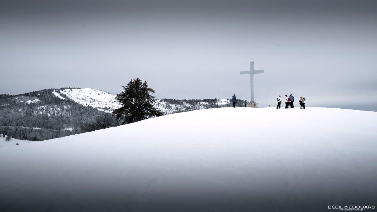 Croix des Bergers Caminhada Raquetes de neve Le Revard Massif des Bauges Alpes Savoie Paisagem Montanha Inverno Neve França Neve ao ar livre Inverno Alpes franceses Paisagem montanhosa