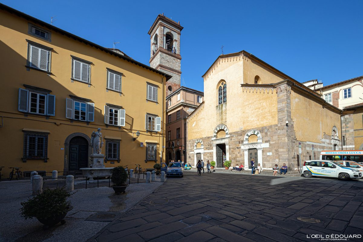 Igreja Piazza del Salvatore Lucca Toscana Itália Turismo Viagem - Igreja San Salvatore Lucca Toscana Itália Viagem Itália Igreja Toscana