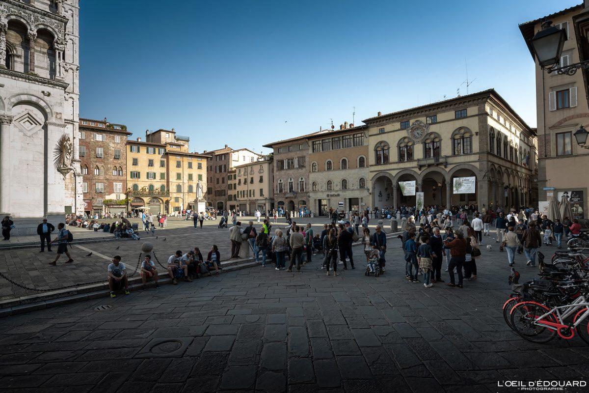Lucca Toscana Itália Viagem Turismo - Piazza San Michele Lucca Toscana Itália Viagem Itália Toscana Praça italiana