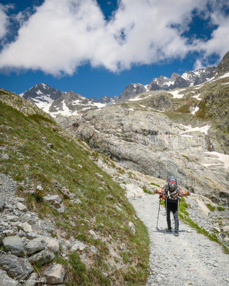Caminhada Glaciar Blanc Hautes-Alpes Paisagem Montanhas França Alpes franceses Paisagem montanhosa ao ar livre