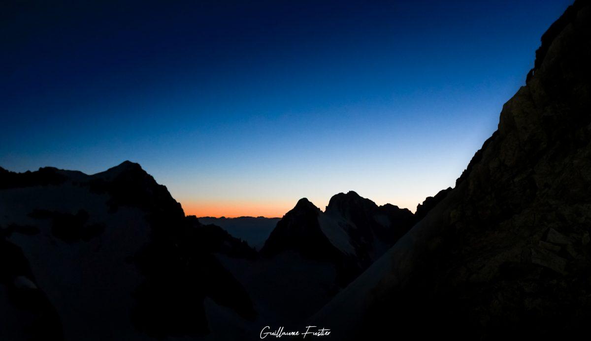 Altos Alpes Montanhas dos Alpes franceses Céu Nascer do sol Maciço de Ecrins Montanha Paisagem Montanha Paisagem Pôr-do-sol