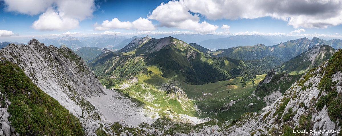 Vista superior Arcalod Massif des Bauges Savoie Alps França Caminhadas Paisagem montanhosa - Paisagem montanhosa Alpes franceses Caminhadas ao ar livre Caminhadas