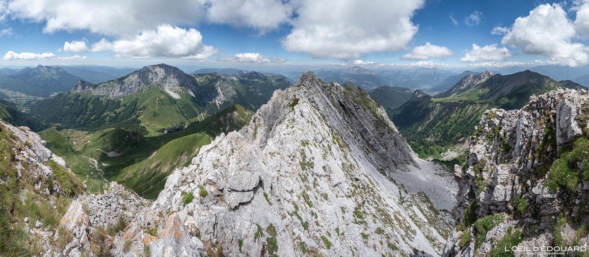 Arete Nord Arcalod Summit Maciço des Bauges Savoie Alps França Caminhada Paisagem montanhosa - Paisagem montanhosa Alpes franceses Caminhadas ao ar livre Caminhada