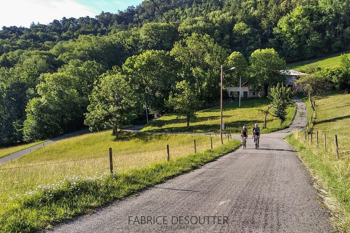 Ciclismo Ciclismo Rota do Col du Granier Chambéry Savoie Alpes França - Paisagem montanhosa ao ar livre Alpes franceses Paisagem montanhosa Bicicleta de corrida
