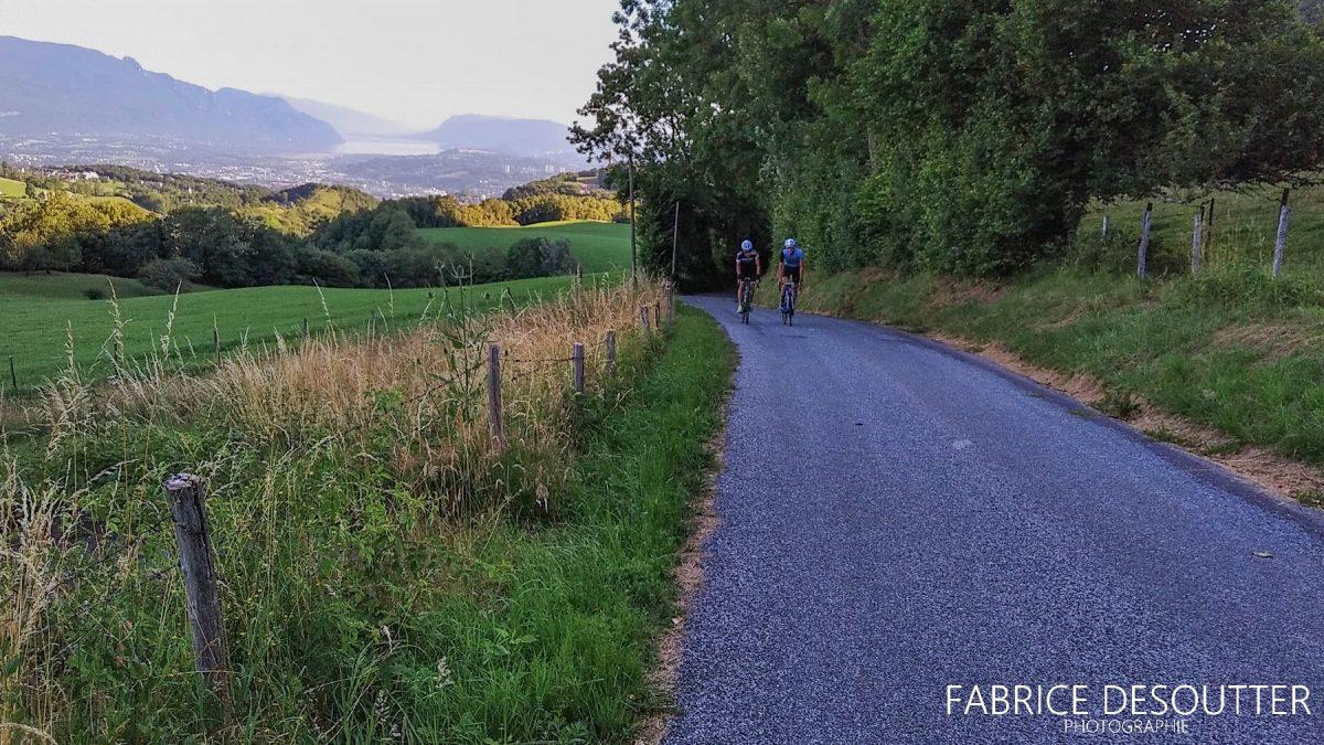 Ciclismo Ciclismo Rota do Col du Granier Chambéry Savoie Alpes França - França Paisagem de montanha ao ar livre Paisagem de montanha alpina Bicicleta de corrida